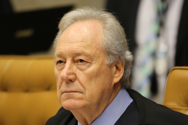 Suspensão de contrato e redução de salário têm efeito após manifestação de sindicatos, decide ministro
