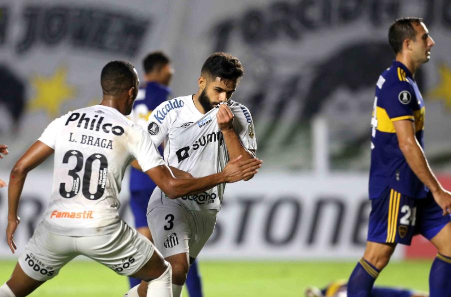 Santos supera o Boca Juniors e mantém chance de classificação na Libertadores