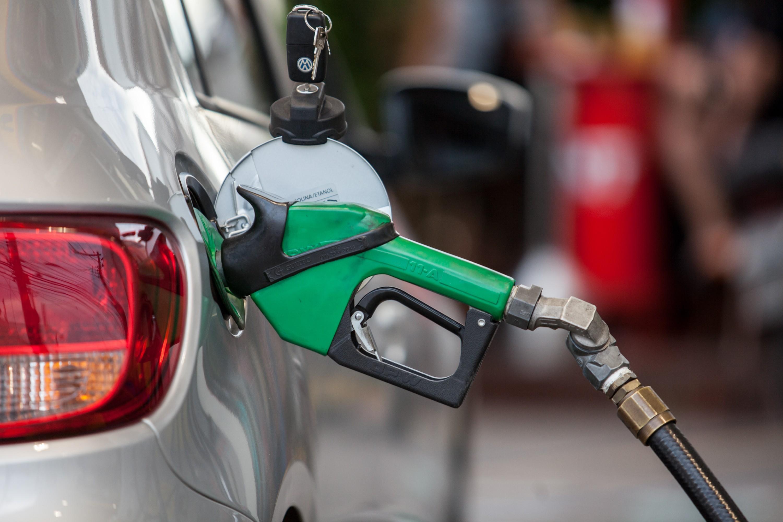 Preços de diesel e gasolina nos postos fecham a semana perto da estabilidade, diz ANP