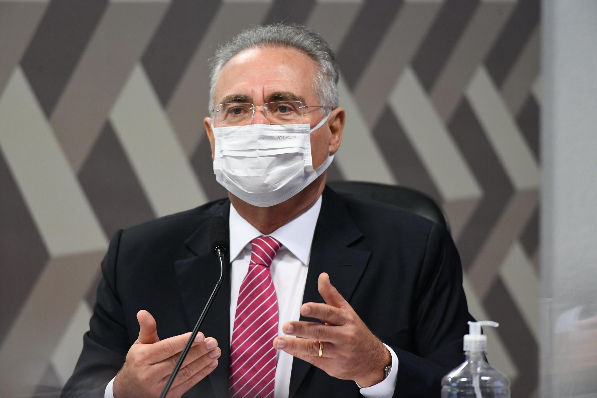 Renan diz que leitura do relatório final da CPI da Covid foi adiada